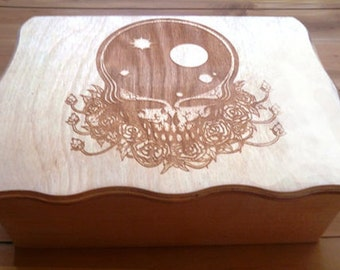 TOP QUALITY!!  wood burned X-large Ticket stub / stash / keepsake / jewelry box with hinged scalloped lid / - space your face