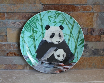 "Panda plate - giant panda bear and cub collector plate - Crowne ""Moma's Here"" - Artmark Panda plate - Porcelain panda plate 81902"