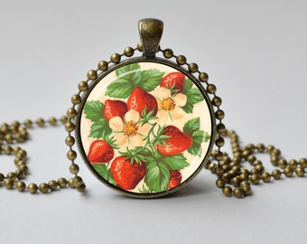 Vintage Strawberry Necklace. Vintage StrawberryPendant. Fruit Necklace. Fruit Jewelry. Red. White