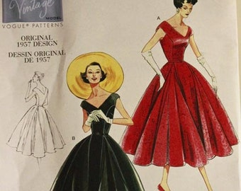Dress, Full Skirt - 1950's - Vintage Vogue Pattern 1172   Uncut   Sizes 6-8-10-12  Bust 30.5-31.5-32.5-34""