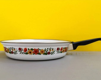 Retro, floral fry pan