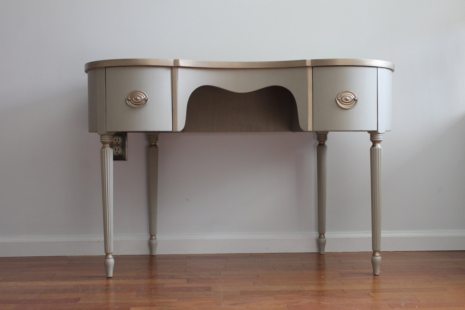Vintage Light Grey Vanity/Desk