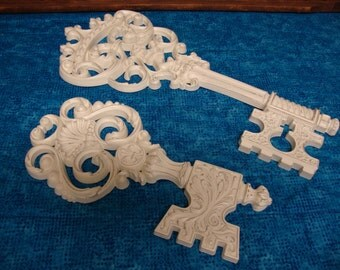 Large Wall Skeleton Keys by Dart Heirloom White