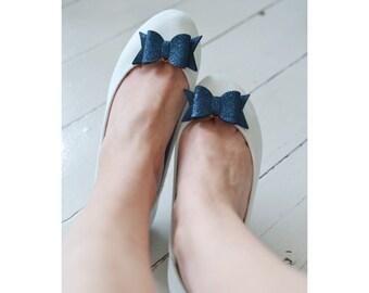 Navy Blue Fine Glitter Bow Shoe Slips, Dark Blue Glitter Bow Shoe Clips, Dark Navy Blue Glitter Wedding Shoeclips, Blue Flowergirl Shoes