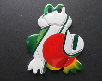 7up Soda Can magnet or pin  birthday,anniversary,stocking stuffer,