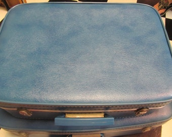 SALE! was 25.00 Vintage Luggage by Fliteline, Great Condition,  417T
