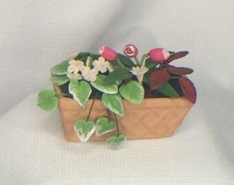 """Dollhouse Miniature Planter 1"""" Scale  (BL)"""