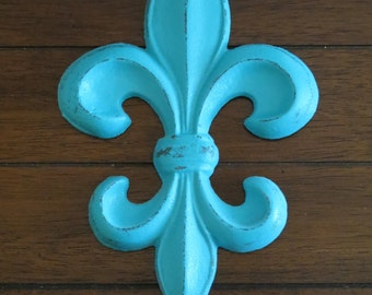 Fleur de Lis Wall Decor / Turquoise or Pick Color  /Cast Iron Wall Sign / Paris Apartment French Country Style Wall Hanging / Metal Wall Art