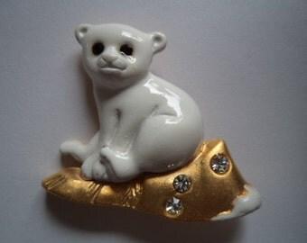 Vintage Signed Danecraft Gold/White Polar Bear Cub Brooch/Pin