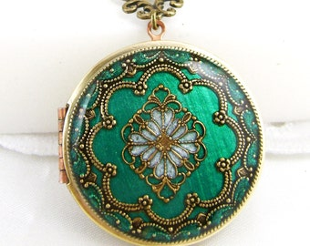Green Filigree Locket, Vintage Locket,Filigree Diamond Locket, Photo Locket, Mothers Day Gift For Her,  Wedding Locket Picture Locket