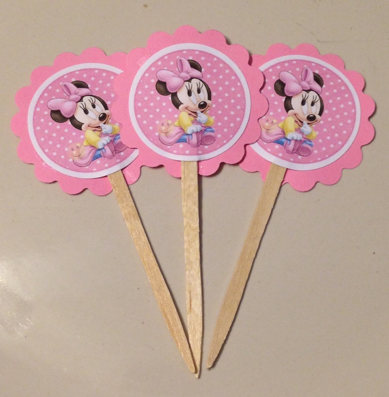 Baby Minnie Mouse cupcake topper