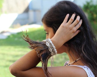 Brown Feathers Bracelet with shells