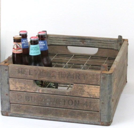 1941 melville dairy wooden milk crate by creeklifetreasures for Where can i buy wooden milk crates