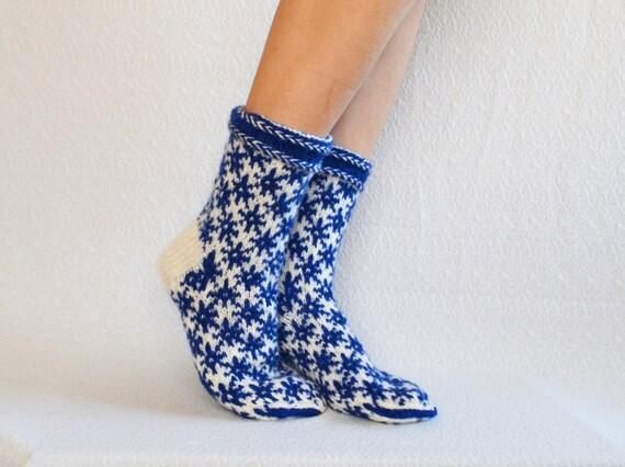 Knitting Pattern Thick Wool Socks : Items similar to hand knit wool socks mens wool socks women socks thick soft ...