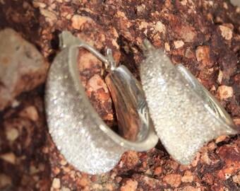 Vintage textured concave sterling silver 925 hoop earrings (9.8g)