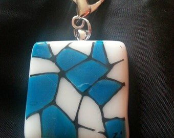 Blue keychain,porte-cle .Fused glass