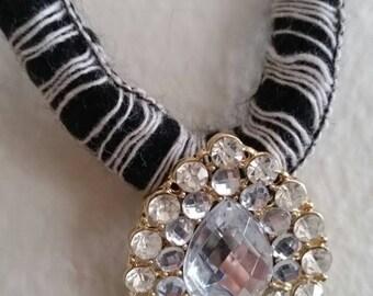 Native chic Sparkle Pendant Necklace