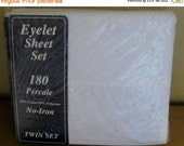 On Sale Vintage Springmaid Springs White Embroidered Eyelet Sheet Set, Twin Sheet Set, New in Package, Cotton/Poly Eyelet Sheet Set, NEW