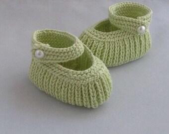 Handknit Baby Booties, Light Green Booties, Pram Shoes, Boy Girl Booties, Baby Shower Gift, Hand Knit Cotton Booties, Newborn 0-3 3-6 months