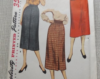 "Misses' Simple to Make Slim Skirt with Center Back Pleat Waist 32"" Hip 41""  Vintage 1950s Simplicity Sewing Pattern 4491"