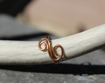 Delicate Swirl Ring