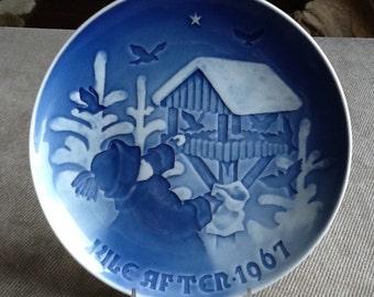 Vintage Bing & Grondahl Copenhagen Denmark Porcelain Christmas Plate From 1967 Sharing The Joy Of Christmas