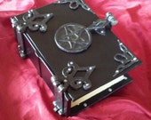 400/800 page Leather Black Pentagram small Spell book Grimoire Book of Shadows Diary Journal  Sketchbook lock and key latch with hinges