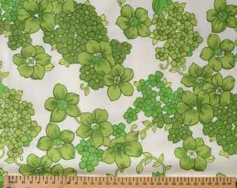 Vintage Polycotton Fabric Fat Quarter Green Flowers