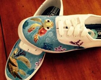 Little Nemo turtles painted canvas shoes