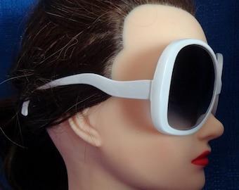 Ladies Vintage White Very large Oversized Sunglasses