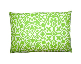 Pillow case SEVILLE ethno Ikat kiwi green white 40 x 60 cm