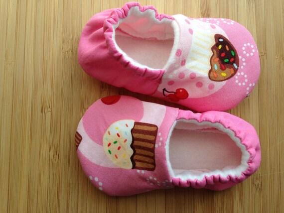 Cupcake baby shoes Pink baby shoes cupcake baby shoes