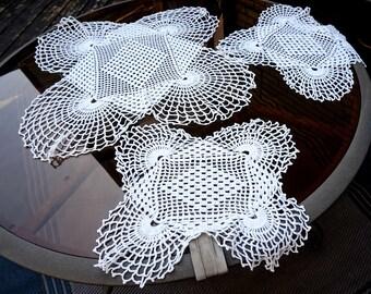 Vintage Crochet Dresser Set,White Dressing Table Set,Vanity Set,Crocheted Doily Set,Matching Doily Set, Square Doily, Vintage Table Linens