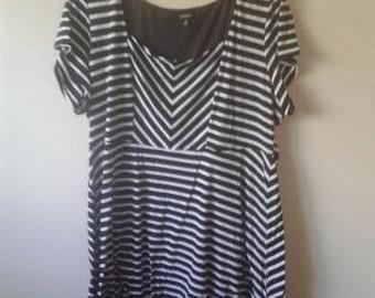 Size 4x/26-28 Mod dress