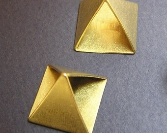 15mm Raw Brass Pyramid Bead Triangle Bead 3d Beads Geometric Beads Metal Beads on Sale 5 pcs
