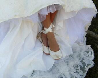 Bridal Flat Shoe, Ivory Bridal Flat Shoe, Ivory Bridal Flat, Cream Bridal Flat, Lace Bridal Shoe, Ballet Style Dance Shoe, First Dance Shoe