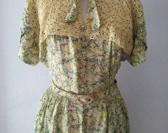 Vintage 1940s 40s Novelty print dress chartreuse 30 waist