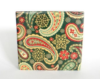 Elegant Paisley Christmas Wrapping Paper in Metallic Gold, Christmas Red and Forest Green, 10 ft x 2 ft. / 3.048 m. x .60 m. Roll,