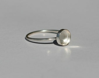 6mm bezel 925 sterling silver ring base. Stackable ring blank. Thin band with bezel. BLACK FRIDAY DISCOUNT