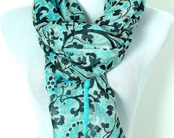 Banarsi Designs Floral Pure Wool Scarf (Turquoise)