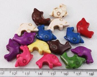 Howlite Dolphin (15 beads) 12x21mm