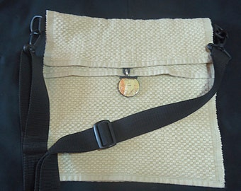 Re-purposed & Re-used! Line-art Face on Wood - Green Messenger Bag