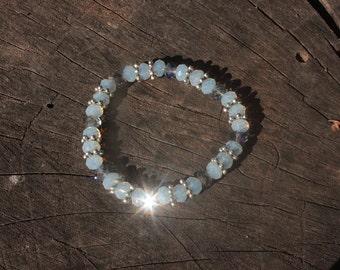 Blue Opalescent Faceted Bead Bracelet