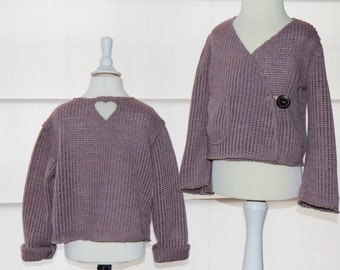 very trendy kids jacket from knitted fabric with wooden button and heart application