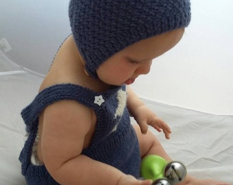 Baby boy hat, baby girl hat, knitted baby pixie cap, baby gift, knitted hat in seed stitch with button closure 6-12 months