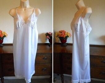 NOS ~ Vintage 1980's Full Slip  ~ BodyChic ~ Pale Lavender Silky Antron 111 Non Cling Nylon ~ VLV ~ Pin UP Girl ~ Bombshell ~ Size 40