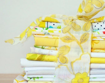 YELLOW Vintage Sheet Scrap Bundle. 1lb Mix. Stash Builder. Yellow Fabric Bundle. Vintage Sheets. Floral. Nursery Prints. Quilt Top Kit.