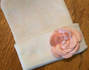 Newborn Hospital White Beanie w/ Peach Pink Flower & Pearl. Hospital Beanie. Simple and Sweet. Great Gift. Perfect Going Home Hat!