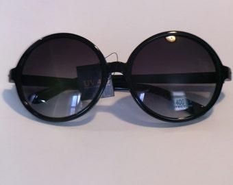 Round vintage style sunglasses