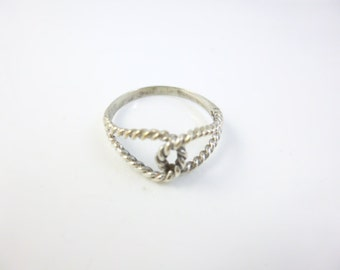 Love knot Ring, Sterling Silver Dainty Ring